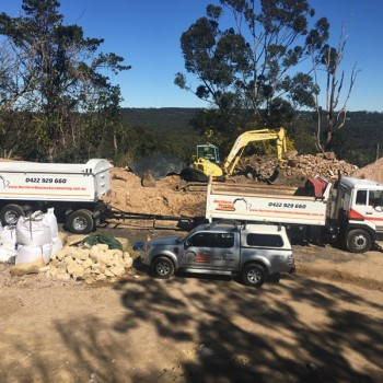 Northern-Beaches-Earthmoving-Truck-and-dog